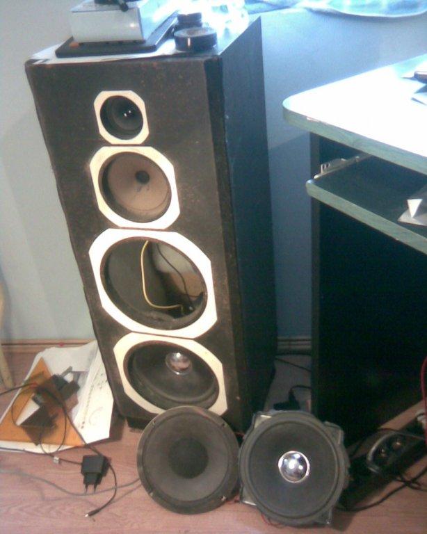 3 Utas hangfal építése